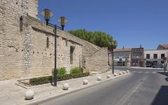 Eglise Saint-Paul - Français:   Église Saint-Paul de Frontignan. Frontignan, Hérault, France. Avant 1925, la rue n\'était pas encore ouverte. Il existait une école s\'appuyant sur le rempart extérieur.