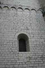 Eglise Saint-Paul - Frontignan (Hérault) - Église Saint-Paul - fenêtre romane de droite.