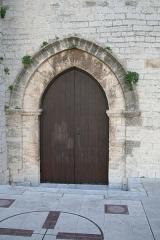 Eglise Saint-Paul - Frontignan (Hérault) - Église Saint-Paul - Porte nord (porte des morts, qui s'ouvrait sur le cimetière).