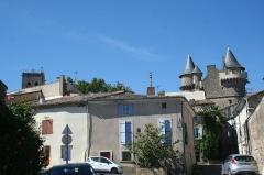 Domaine - Français:   Margon (Hérault) - rue du village, ancienne mairie et château