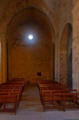 Eglise paroissiale Saint-Etienne -  NAve of the Saint Stephen church, seen  toward east.