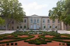 Château d'O -  tHe   Castle of Ô seen from the St. ferréol bassin.