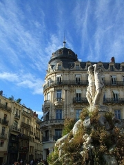 Fontaine des Trois Grâces - This building is indexed in the Base Mérimée, a database of architectural heritage maintained by the French Ministry of Culture,under the reference PA00103542 .