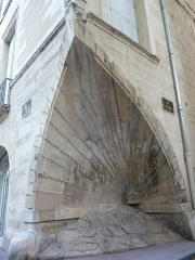 """Ancien Hôtel de Sarret dit de la """"Coquille"""" - Català: Hôtel de Sarret dit de la Coquille (Montpellier)"""
