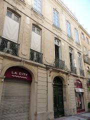 Hôtel Lamouroux - Català: Façana (vista des de l'esquerra) de l'Hôtel Lamouroux (Montpeller)