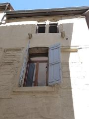 Immeuble - Català: Finestres a la rue Terral de l'edifici a la rue Terral cantonada amb la rue des Amandiers