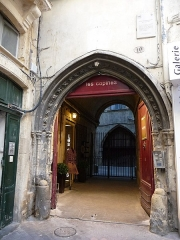 Palais des Rois d'Aragon - Català: Portal exterior del Palau dels Reis d'Aragó (Montpeller)