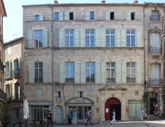 Hôtel Flottes de Sébazan - English: XVth Century mansion overlooking the Place Gambetta, Pézenas, France. Queen Anne of Austria, mother of Louis XIV stayed here on 6 April 1660.