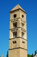 Tour romane - France - Languedoc - Hérault - Puissalicon - ancienne église Saint-Étienne de Pezan - tour romane