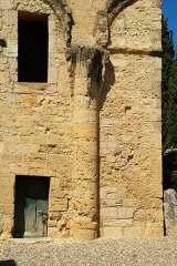 Tour romane - France - Languedoc - Hérault - Puissalicon - ancienne église Saint-Étienne-de-Pézan - tour romane