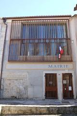 Hôtel des Monnaies - Villemagne-l'Argentière (Hérault) - Maison des Monnaies (avec le linteau roman) et mairie.