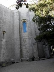 Ensemble historique et archéologique de la cité épiscopale et canoniale de Maguelone - Extérieur de la cathédrale Saint-Pierre-et-Saint-Paul de Maguelone, commune de Villeneuve-lès-Maguelone (34). Chevet.