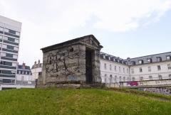 Jardin des Plantes - English: Hôpital La Rochefoucauld, Paris 14th arrondissement. Former