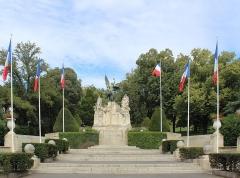 Jardin du Plateau des Poètes - English: War memorial (1925), Plateau des poètes (Béziers) by Jean Antoine Injalbert (1845-1933).
