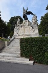 Jardin du Plateau des Poètes - Monument aux Morts au Plateau des poètes - Béziers