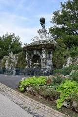 Jardin du Plateau des Poètes - Français:   Fontaine du Titan réalisée par Jean-Antonin Injalbert - Plateau des poètes à Béziers