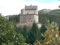 Château du Miral -  Château de Miral à Bédouès en Lozère