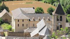 Eglise Notre-Dame - Français:   Quézac Eglise vue des hauteurs