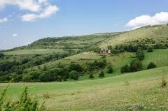 Domaine rural d'Issenges - Français:   Vue d\'ensemble du domaine rural d\'Issenges à Bédouès (Lozère, France)