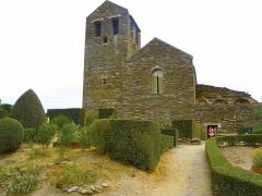 Abbaye de Serrabona - Català: Santa Maria de Serrabona des del parc botànic, Rosselló