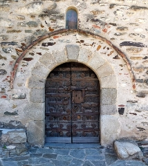 Eglise Saint-Saturnin - English: Portal of