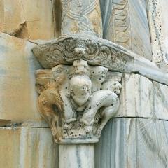 Eglise Sainte-Marie - Deutsch: Portal der Église Sainte-Marie de Brouilla, rechtes Kapitell