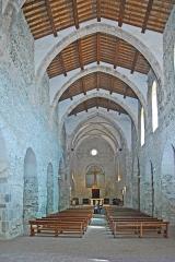Ancienne abbaye de Saint-Michel de Cuxa ou Cuixà - Deutsch: Abbaye de Cuxa, Michaelskirche, Mittelschiff zum Chor