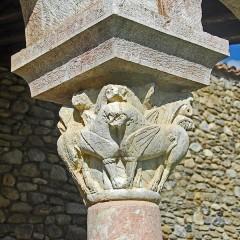 Ancienne abbaye de Saint-Michel de Cuxa ou Cuixà - Deutsch: Abbaye Michel-de-Cuxa, Kapitell, 2 geflügelte Löwen mit gemeinsamen Kopf