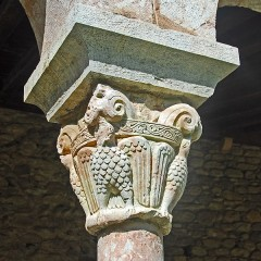 Ancienne abbaye de Saint-Michel de Cuxa ou Cuixà - Deutsch: Abbaye Michel-de-Cuxa, Kapitell, Adler frontal