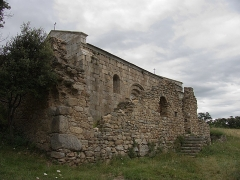 Ruines de l'ancienne église Saint-Martin - Français:   Vue de la façade sud, ancienne église Saint Martin (12e siècle), Corsavy (Pyrénées-Orientales, Languedoc-Roussillon, France)