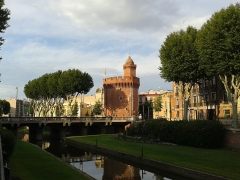 Castillet, Grand-Castillet, porte Notre-Dame ou Petit-Castillet - English: Castillet of Perpignan with the banks of the river Basse