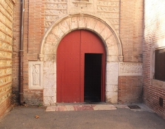 Cathédrale Saint-Jean-Baptiste - English: Southern side entrance of Perpignan Cathedral.
