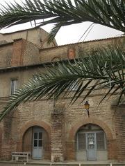 Ancien couvent des Frères Prêcheurs - Català: Església de Sant Domènec (Perpinyà), pati del claustre, fins no fa gaire usat per la caserna militar adjunta