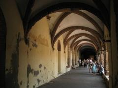 Ancien couvent des Frères Prêcheurs - Català: Església de Sant Domènec (Perpinyà), galeria del claustre