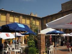 Ancien couvent des Minimes - Català: Convent dels Mínims (Perpinyà), el claustre durant la celebració del certamen de fotoperiodisme Visa pour l'Image