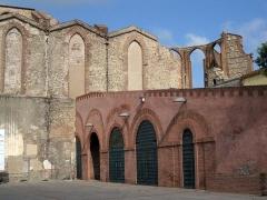 Ancienne église des Carmes - Català: Església del Carme (Perpinyà), vista des de l'Arsenal, al lloc que ocupava l'antic claustre