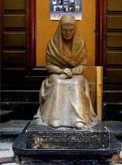 Ancien Hôtel Pams - Moulage de la statue en bronze «Le temps passé» par Raymonde Maldes,  Hôtel Pams, Perpignan, Pyrénées-Orientales, France.