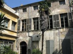 Maison dite Casa Xanxo - Català: Casa de Bernat Xanxo (Perpinyà), vista del pati, molt deteriorat