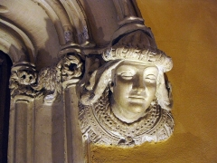 Maison dite Casa Xanxo - Català: Casa de Bernat Xanxo (Perpinyà); retrat d'Elisabet Xanxo, la dona del propietari, esculpit a l'arrencada de la llinda del portal del vestíbul