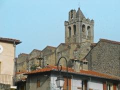 Eglise Saint-Juste-et-Sainte-Ruffine - Català: Església de Prats de Molló (Vallespir), des de l'entrada al poble