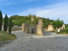 Fort Lagarde - Català: Camí subterrani al fort de la Guàrdia, Prats de Molló (Vallespir)