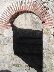 Porte d'Espagne - Català: Porta d'Espanya de Prats de Molló. (Porta lateral)