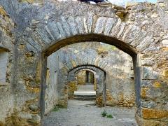 Remparts - Català: Camí de ronda de les muralles de Prats de Molló (Vallespir)