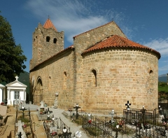 Eglise Sainte-Marie - Deutsch: Romanische Kirche Sainte-Marie de Serralongue, Frankreich (Ansicht O).