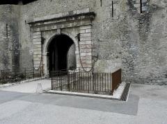 Remparts de la ville - Français:   Remparts de Villefranche-de-Conflent (66). Porte d\'Espagne.