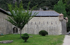 Remparts de la ville - Français:   Remparts de Villefranche-de-Conflent (66). Poudrière.