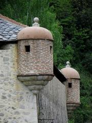Remparts de la ville - Français:   Remparts de Villefranche-de-Conflent (66). Échauguettes de la poudrière.