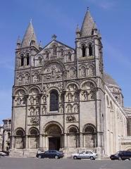 Cathédrale Saint-Pierre -  Cathédrale Saint-Pierre d'Angoulême (16000), France