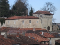 Château - This building is inscrit au titre des monuments historiques de la France. It is indexed in the base Mérimée, a database of architectural heritage maintained by the French Ministry of Culture,under the reference PA00104233 .