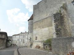 Château de François-Ier - Français:   Château, tourelle et Porte St-Jacques à Cognac